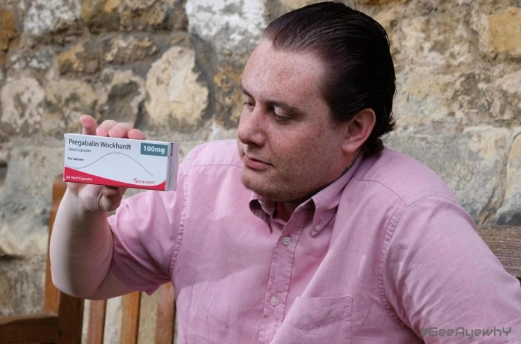 Man claims 'turned gay' by painkillers